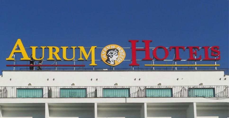 monaco pubblicita insegna aurum hotels